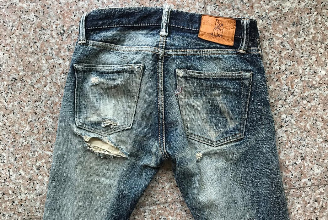 fade-of-the-day-pure-blue-japan-xx-18oz-013-13-months-1-wash-2-soaks-back-detailed